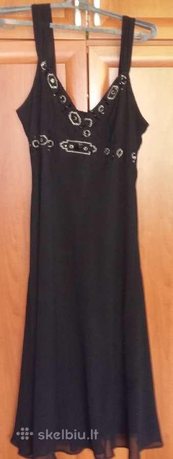 Juoda ilga suknelė