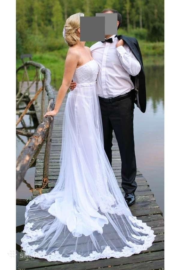 Dizainerės kurta vestuvinė suknelė