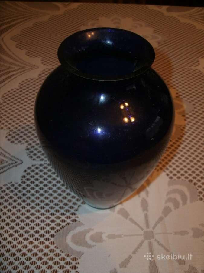 Mėlyno stiklo vaza