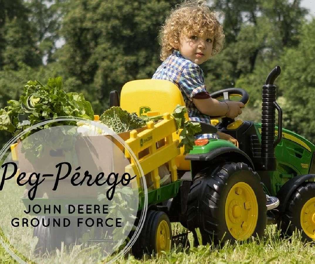Traktoriukas John Deere Ground Force su priekaba