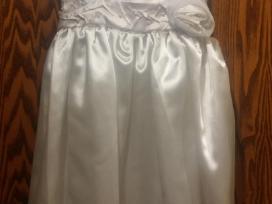 Puošni balta suknutė