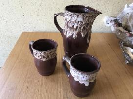 Molinis ąsotis su puodeliais