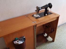 Tarybinė siuvimo mašina - nuotraukos Nr. 2