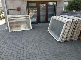 Naudoti mediniai langai