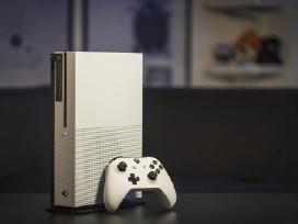Su Garantija kaip naują Xbox One S