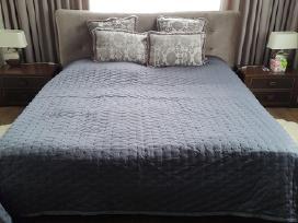 Lovatiesė dvigulei lovai