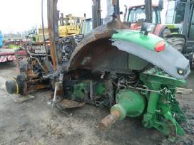 Superkame sugedusius ar sudegusius traktorius