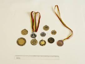Taurės apdovanojimui. medaliai. statulėlės.