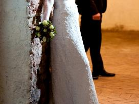 Klasikinė vestuvinė suknelė - nuotraukos Nr. 2