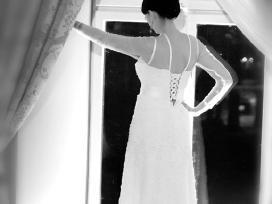 Klasikinė vestuvinė suknelė - nuotraukos Nr. 3