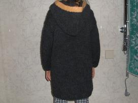 Rankų darbo megztas paltukas mergaitei - nuotraukos Nr. 4