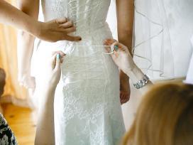 Stilinga vestuvine suknele - nuotraukos Nr. 3
