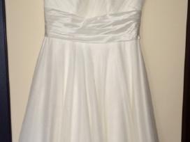 Tiesiog vestuvine suknele. 46 d., dramblio k. sp.