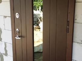 Lauko ir buto durys. Akcija.