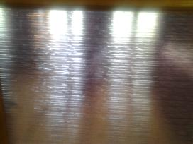 Vitrazinis granuliuotas rausvas stiklas