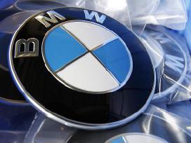 BMW -kita-. Bmw zenkliukas, emblema ant kapoto ar bagazines  bmw