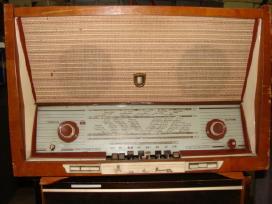 Radijas, kolonėles, pianina, telefona, gazirovkes