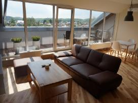 Naujas šviesus butas su terasa Trumpalaike nuoma
