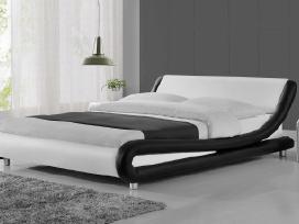 Nauja didelė odinė lova su nauju čiužiniu