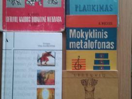 Parduodu įvairias mokslo ir vaikiškas knygas