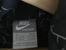 Puiki pūkinė Nike striukė - nuotraukos Nr. 3