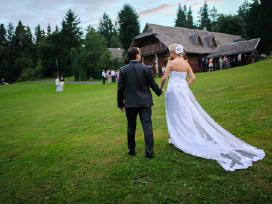 Dizainerės kurta vestuvinė suknelė - nuotraukos Nr. 2