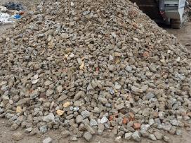 Parduodame plytų - betono skaldą Vilniuje.