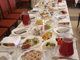 Gedulingi pietūs, metinės restorane, jubiliejai