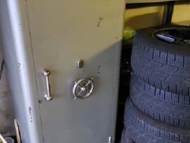 Parduodamas seifas