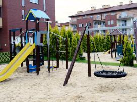 Medinės vaikų žaidimų aikštelės