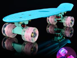 Mazoji riedlente Penny Board su Led ratukais