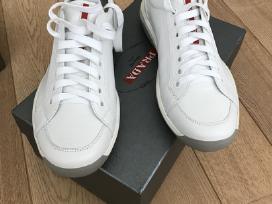 Nauji batai Prada
