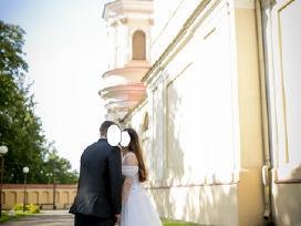 Siūta pagal užsakymą vestuvinė suknelė su šleifu