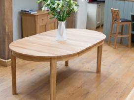 Apvalūs ir ovalūs mediniai stalai