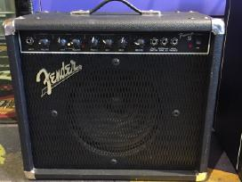 Gitaros kubą Fender Frontman 25r