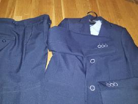 2 dalių kostiumas berniukui ir marškiniai dovanų