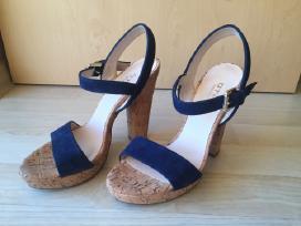 Otre mėlynos odinės basutės 36 dydis