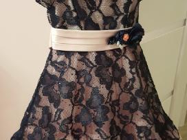 Parduodama puošni proginė suknelė