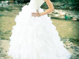 Rankų darbo vestuvinė suknelė - nuotraukos Nr. 4