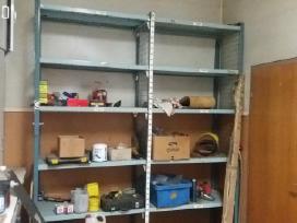 Serviso darbastaliai, stelažai, įrankiai, varžtai
