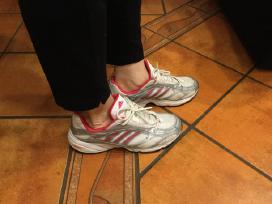 Moteriški batai