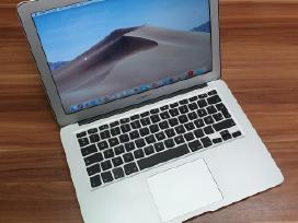 Apple MacBook Air (13-inch Early 2015)