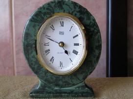 Stalo laikrodis.zr. foto.= 10,-