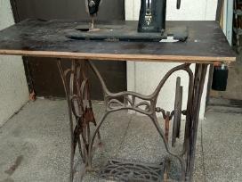 Siuvimo mašina Knoch ir stalas Naumann